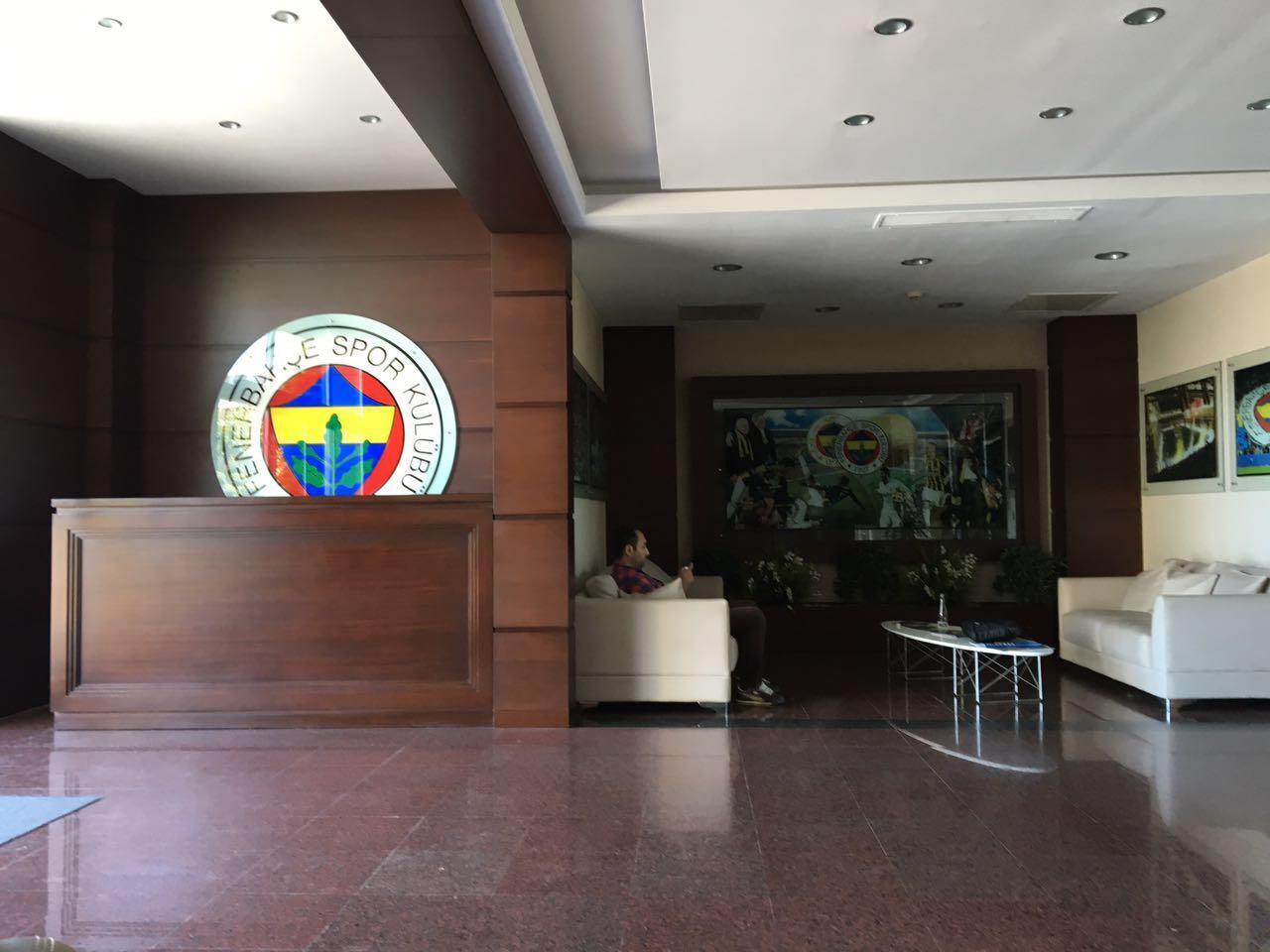 fenerbahce futbol takimi portakal tercume yi secti 1 Fenerbahçeli Meireles Portakal Tercümeyi Seçti